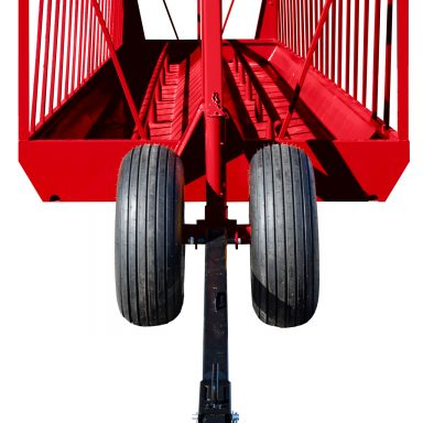 Big bale feeder on wheels with extendable tongue